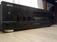 AKAI AMPLIFIER