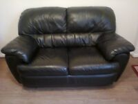 2 SEATTER SOFA IN BLACK LETTHER IN VERY GOOD CONDITION NO MARKS OR RIPS AND PLEASE LOOK AT MY ADDS