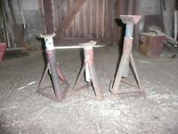 3 axle stands