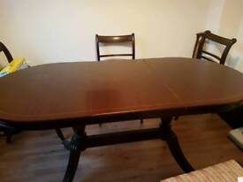 Lovely extendable table