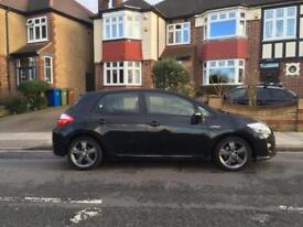 Toyota auris 1.8 hybrid T SPIRIT CVT. Excellent condition.