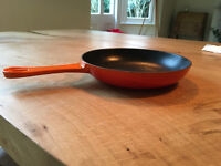 Le Creuset 20cm cast iron Omelette pan - volcanic orange