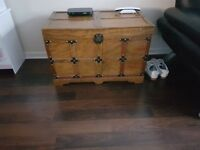 Storage chest