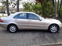 Mercedes-Benz C CLASS 2 KEYS FULL SERVICE HISTORY VERY VERY LOW MILES