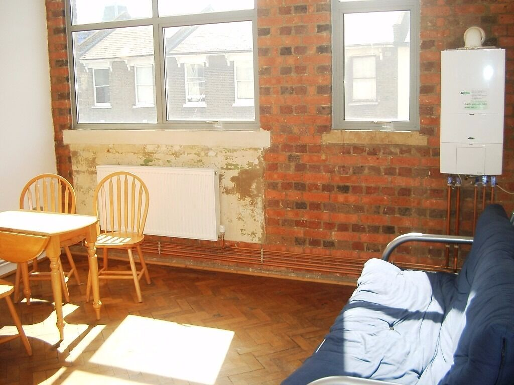 3 BED FLAT IN AMAZING WAREHOUSE CONVERSION - HACKNEY