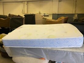 MEMORY LUXURY DOUBLE BED MATTRESS IN EXCELLENT CONDITION FREE DELIVERY