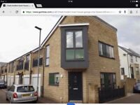 Modern 2 bed house to let , garage , balcony . Very economic .
