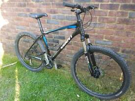 Adults giant talon 3 mountain bike sold subject to collection