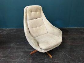 Swivel Egg Chair. Retro Vintage Mid Century.
