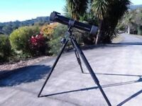 CAN POST Tasco reflector 900mm Telescope 302012 inc 4 x barlow lens