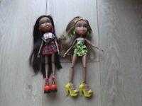 Bratz- Study Abroad - Sasha and Yasmin - and accessories