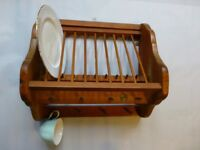 Penny Pine plate and cup rack for 10 plates and 8 cups