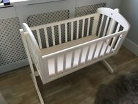 Breeze Swinging Crib by Mamas & Papas in white