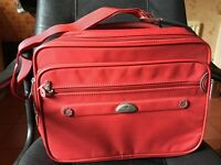 2 Samsonite bags one Tablet/Laptop Bag and the other a Satchel £30 each or bother £50