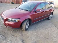 VOLVO S40 s 2005 1.6 PETROL RED 4 DOOR SALOON