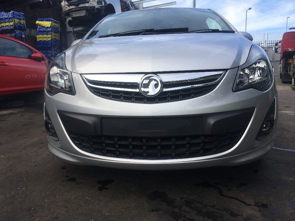 BREAKING - VAUXHALL CORSA D - FACELIFT FRONT BUMPER WITH FOG LIGHTS & SPOILER - SILVER Z57