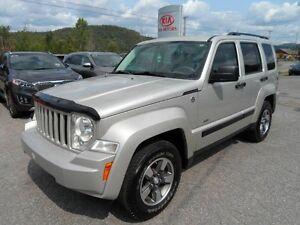 Jeep Liberty 4 RM, 4 portes, Sport V6 toit ouvrant**6995$