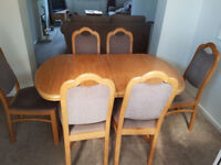 Light Oak Extendable Dining Table with Six Chairs