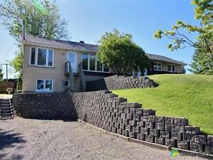 270 000$ - Quadruplex à vendre à Chicoutimi