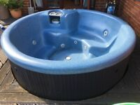 Beach Comber Hot Tub. £500 buyer must dissasemble and transport