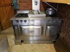 Amazing stainless Steel range cooker