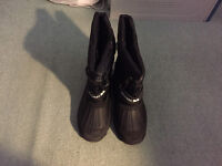 Trespass snow boots size 5