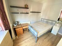 Good condition 4 Bedrooms house with 2 Toilets and Bathrooms in Plaistow