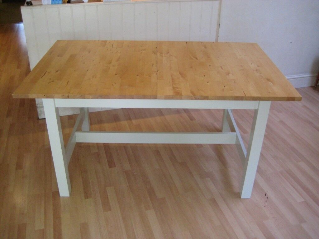 Lovely solid birch wood extending kitchen dining table 1 5 m to 2 1 m seats 6 to 8 10