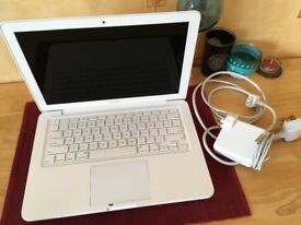Apple MacBook White Unibody 13 inch Mid 2010 6GB RAM 250GB Geforce 320 High Sierra