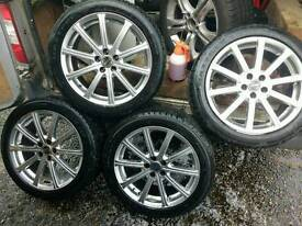 VW Golf alloys with excellent tyres