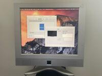 17 inch LCD Monitor, rare 4:3 ratio, incl. Mini Displayport/Thunderbolt to VGA adapter