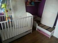 Baby bed and toddler bed