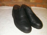 Mens New Black Brogue style steel toecap shoes size 11.
