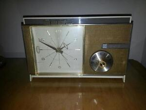 RADIO AM WESTINGHOUSE ANTIQUE 1961