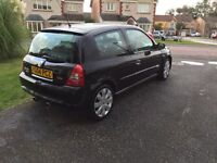 Renaultsport Clio 182: Black Gold Metalic, good condition with excellent engine. No modifications