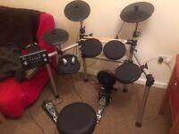 Gear4Music Electric Drumkit - Digital Drums 450 Electronic Drum Kit Package Deal ( 1)