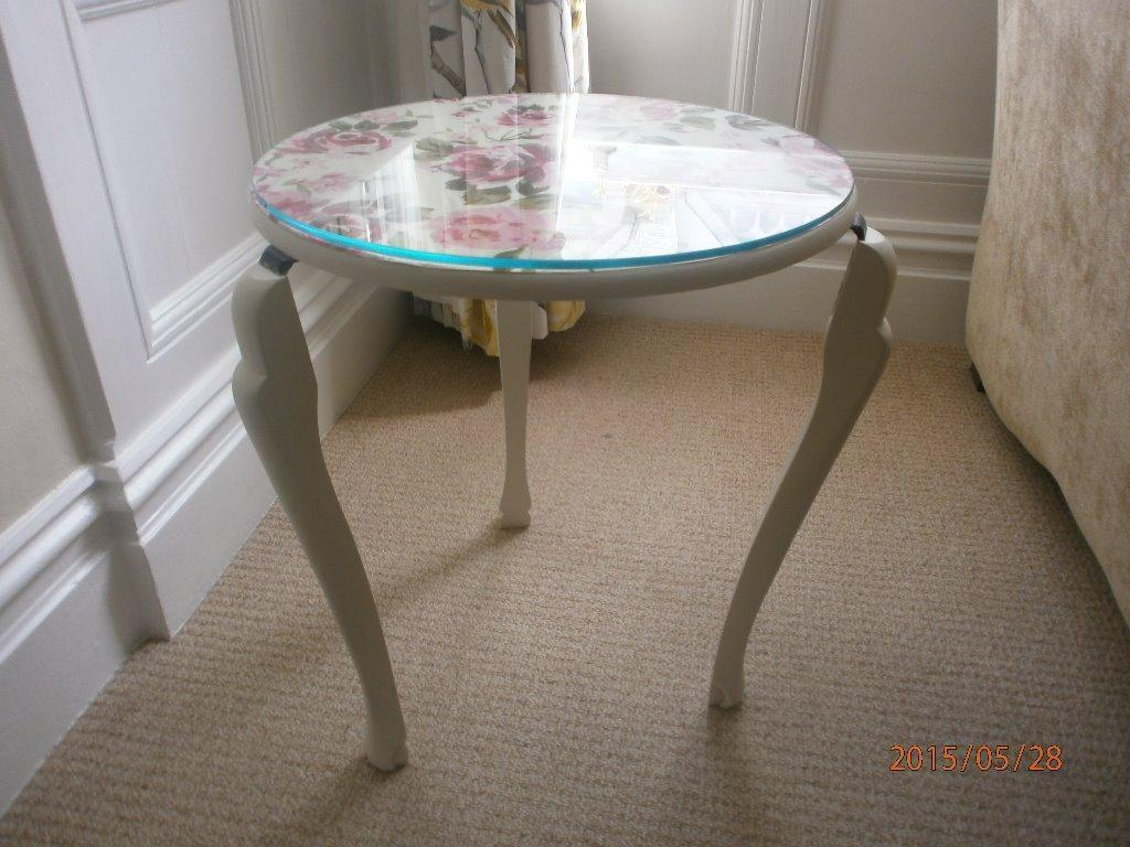 39 vintage 39 round bedside lamp coffee table in cream with for Cream glass coffee table