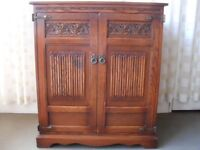 OLD CHARM OAK TV CABINET TALLBOY SSTORAGE CABINET CUPBOARD WITH CARVED DETAIL FREE DELIVERY