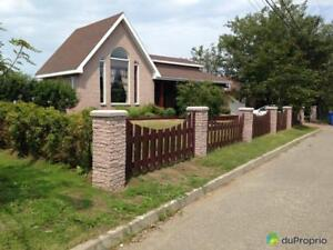 419 000$ - Maison 2 étages à vendre à Rimouski (Rimouski)
