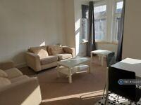 2 bedroom flat in Terrace Road, London, E13 (2 bed) (#1023307)