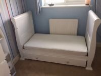 Sleigh style cotbed white