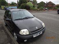 Renault Clio 12 MONTHS MOT 1.2 sport sunroof black 3 door £595