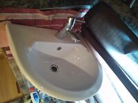 FREE TO PICK UP Bathroom Sink with Pedestal and mixer tap