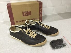 Men's hardly worn fashion trainers size 9