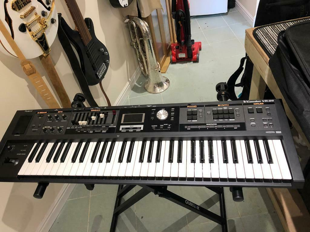 roland vr 09 keyboard accessories in ripley derbyshire gumtree. Black Bedroom Furniture Sets. Home Design Ideas