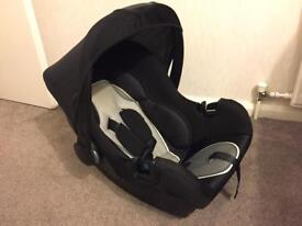 Baby car seat like new
