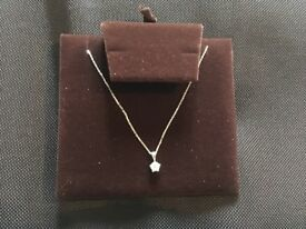 18ct white gold 0.4ct diamond necklace brand new genuine with certificate