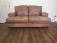 Beautiful leather couch good condition!