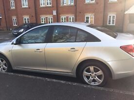 Silver Chevrolet Cruze 2011, low mileage & full service history
