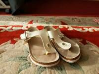 Ladies size 5 sandles